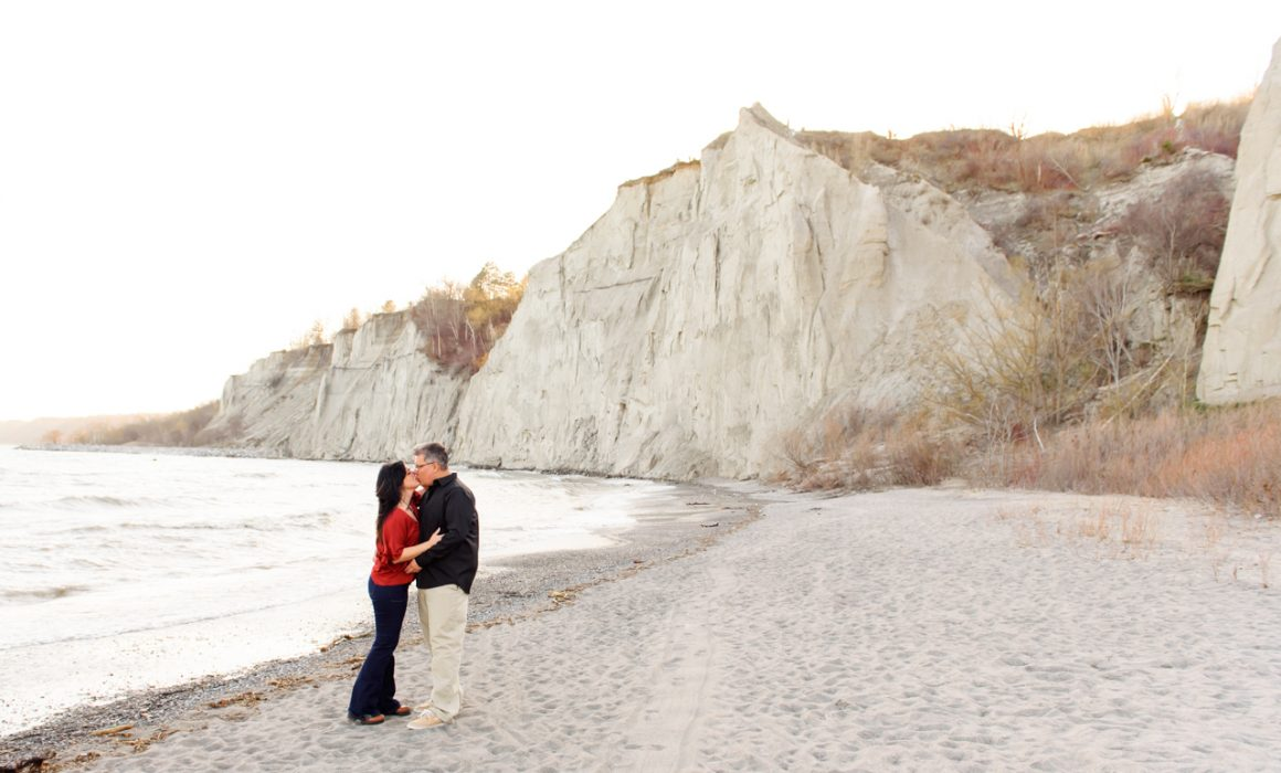 engagement pictures photo session scarborough bluffs toronto