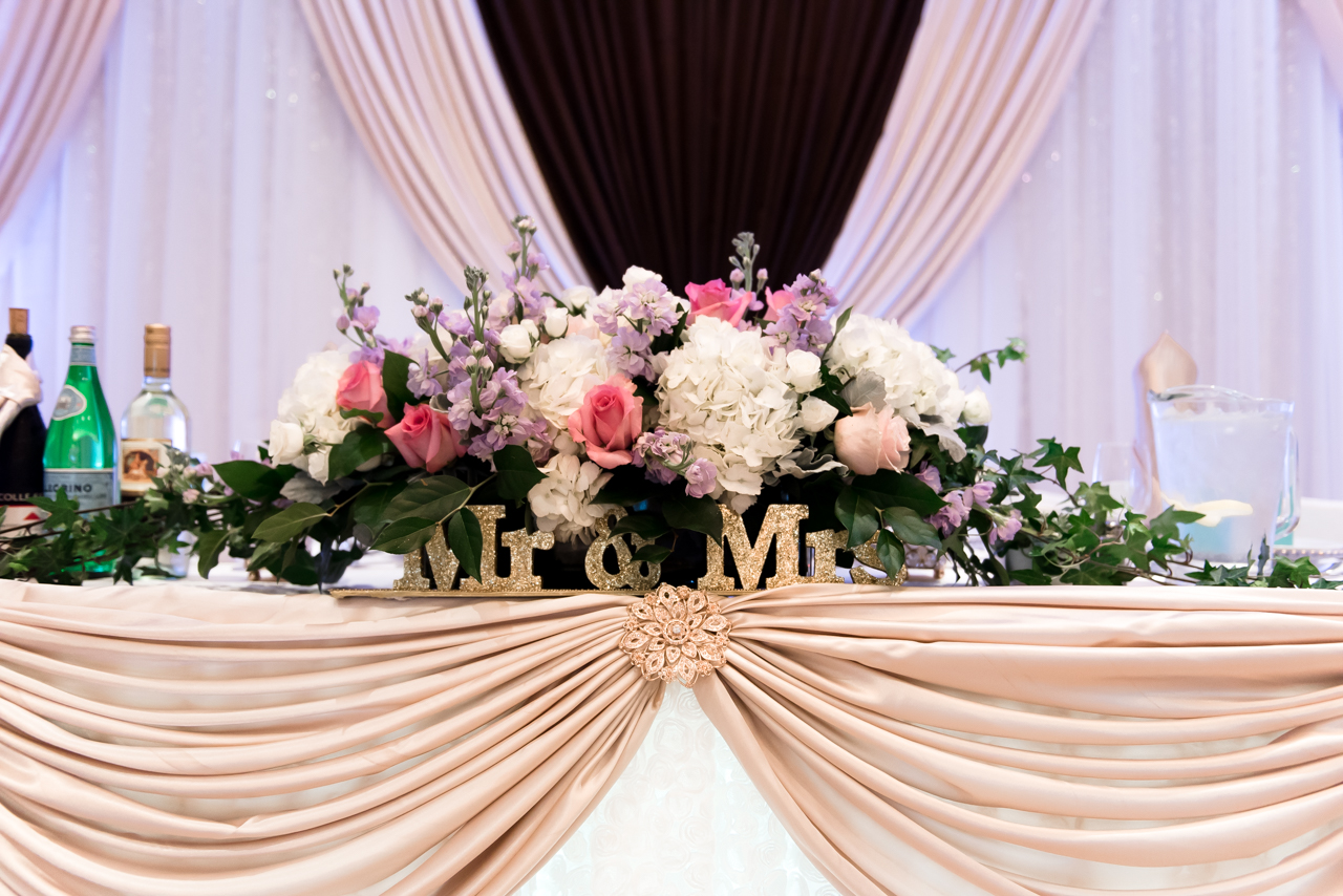 venue head table with flowers