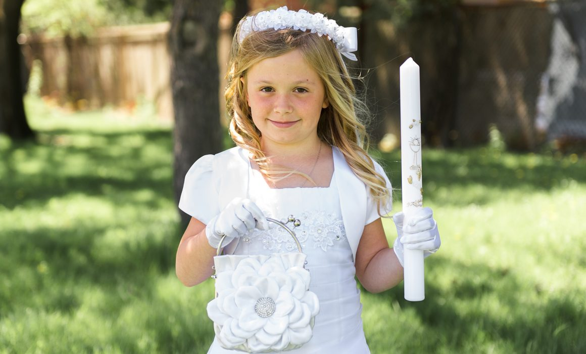 first holy communion portrait picture of the girl