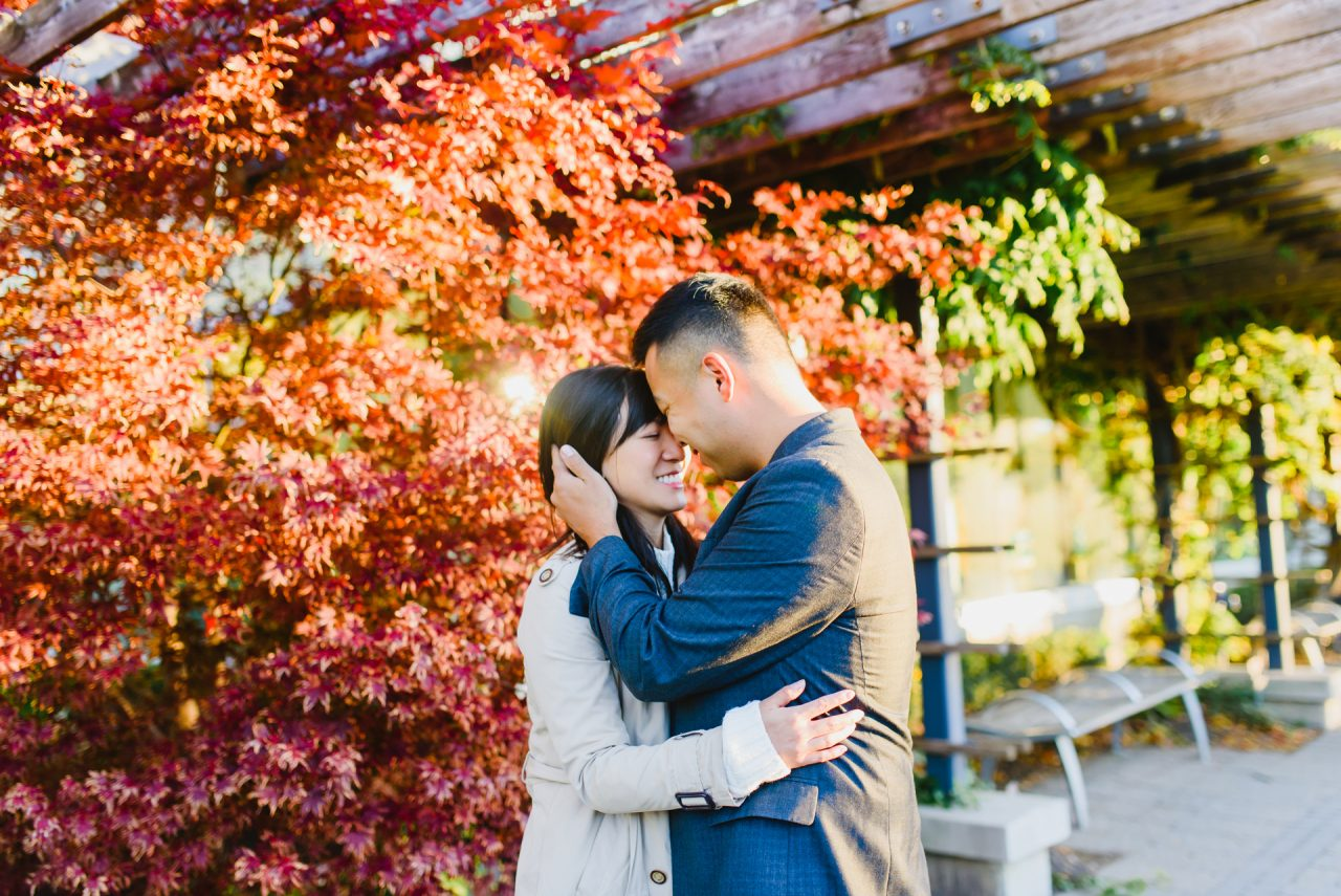 A Fall Edwards Gardens Engagement Photo Shoot in Toronto