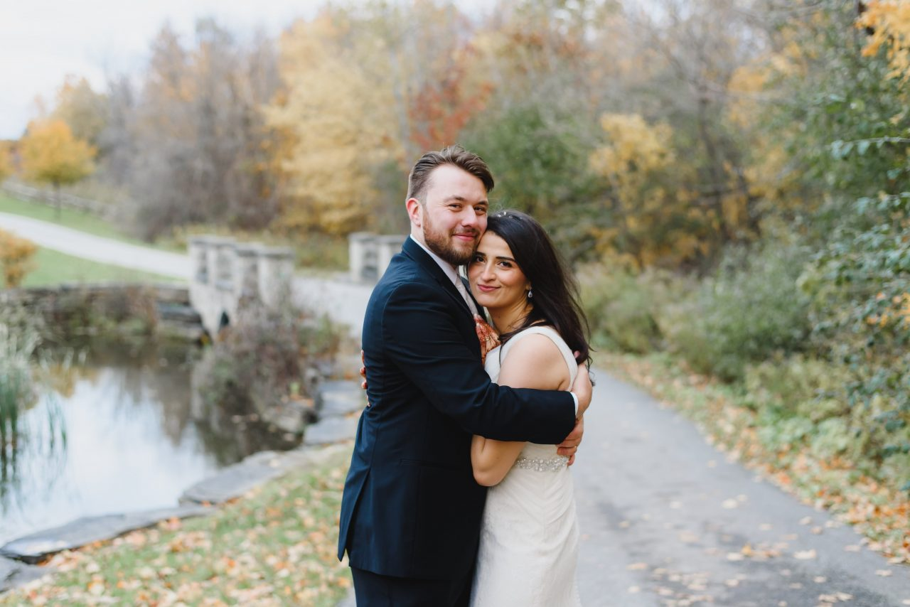 the best romantic and timeless wedding fall picture taken in Toronto