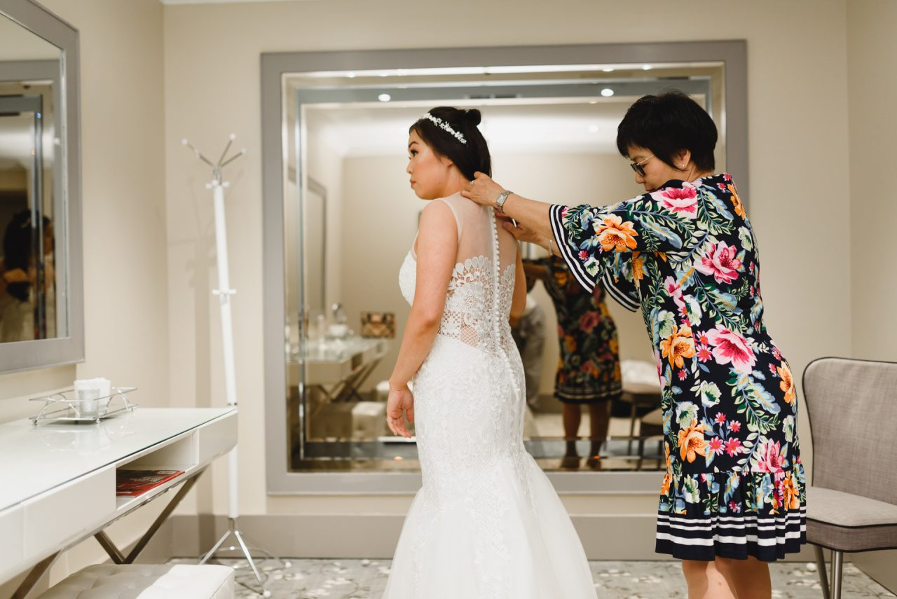 bride getting ready at Bayview Golf and Country Club with mom
