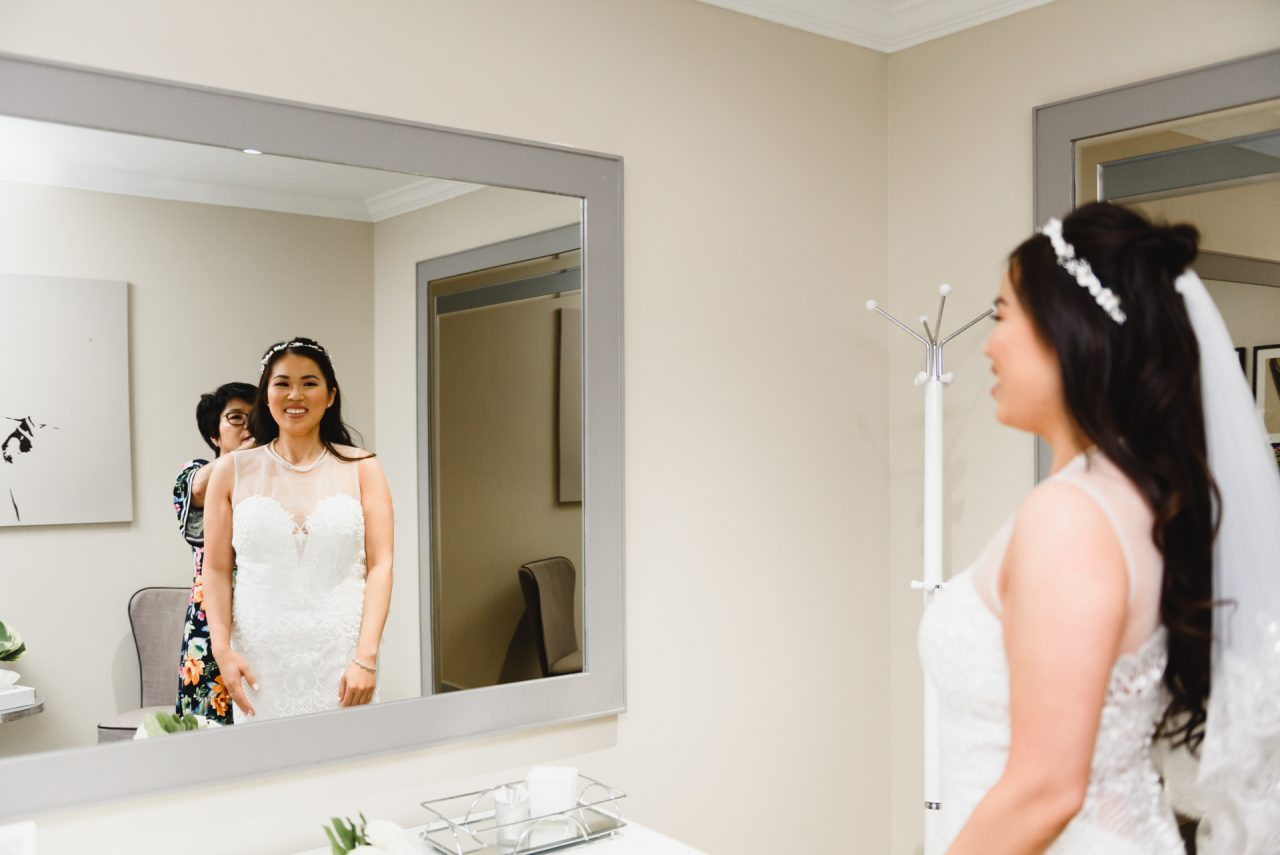 bride is getting ready, Toronto