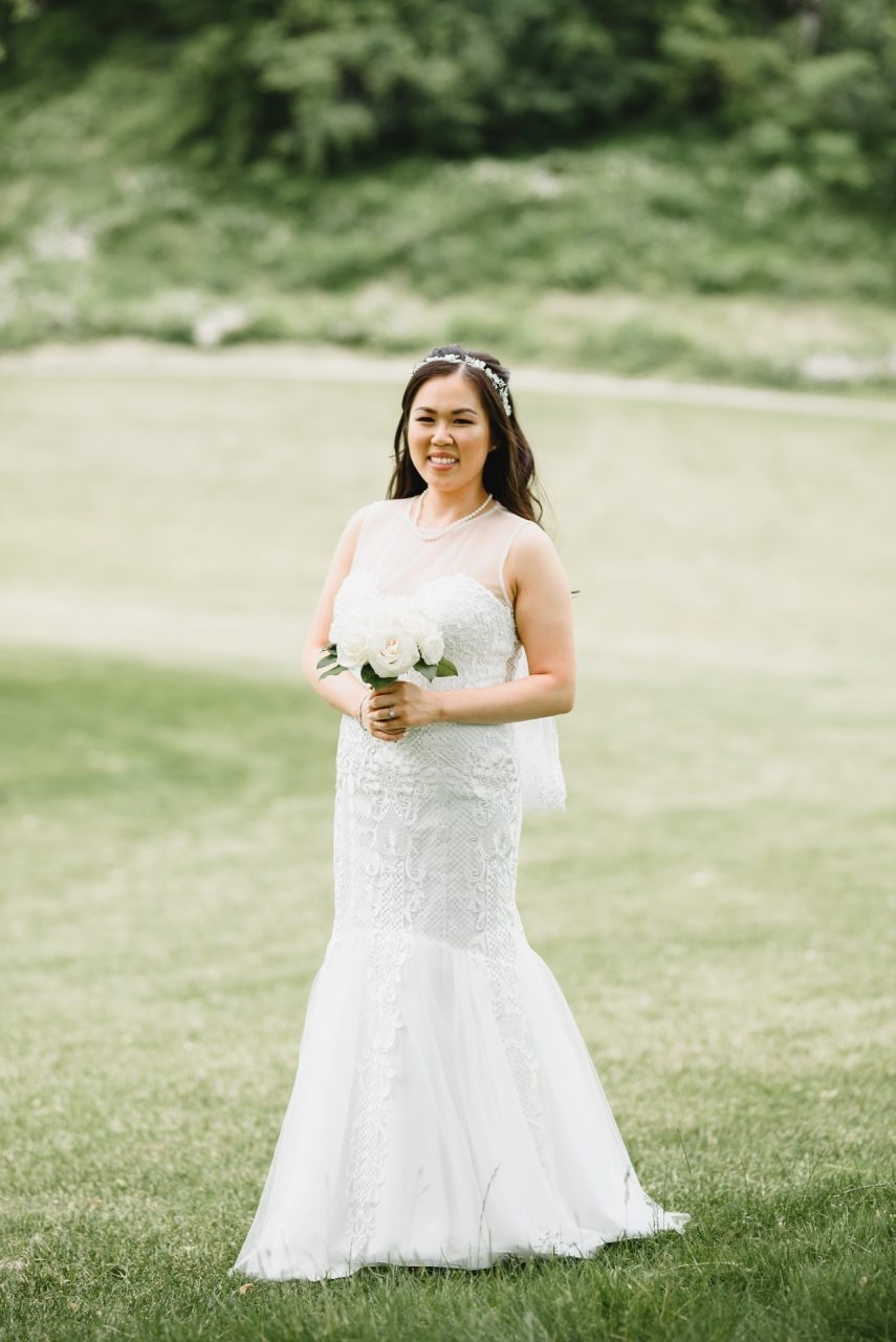 bride portrait at Bayview Golf and Country Club, Toronto