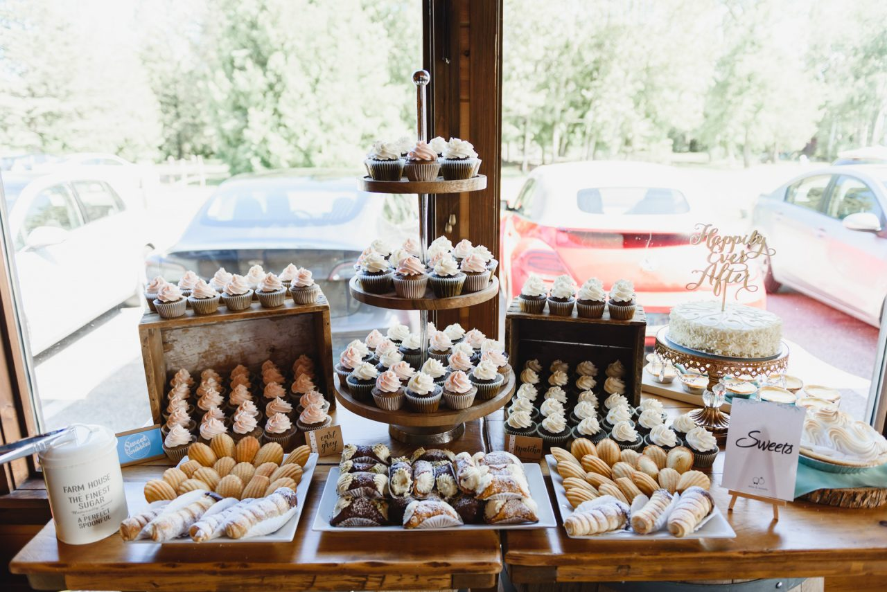 holland marsh wineries wedding reception, sweet table by Sweet Scribbles