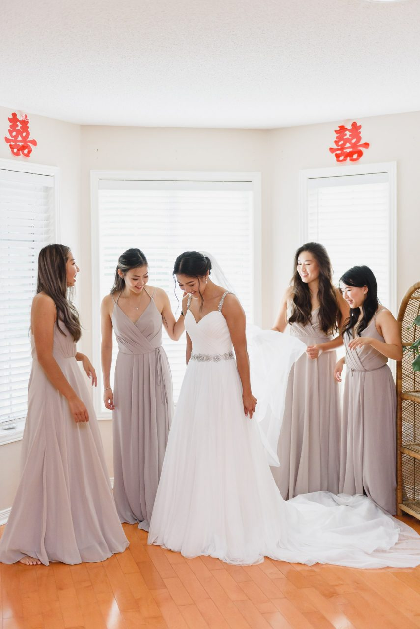 bride getting ready at her home in Richmond Hill
