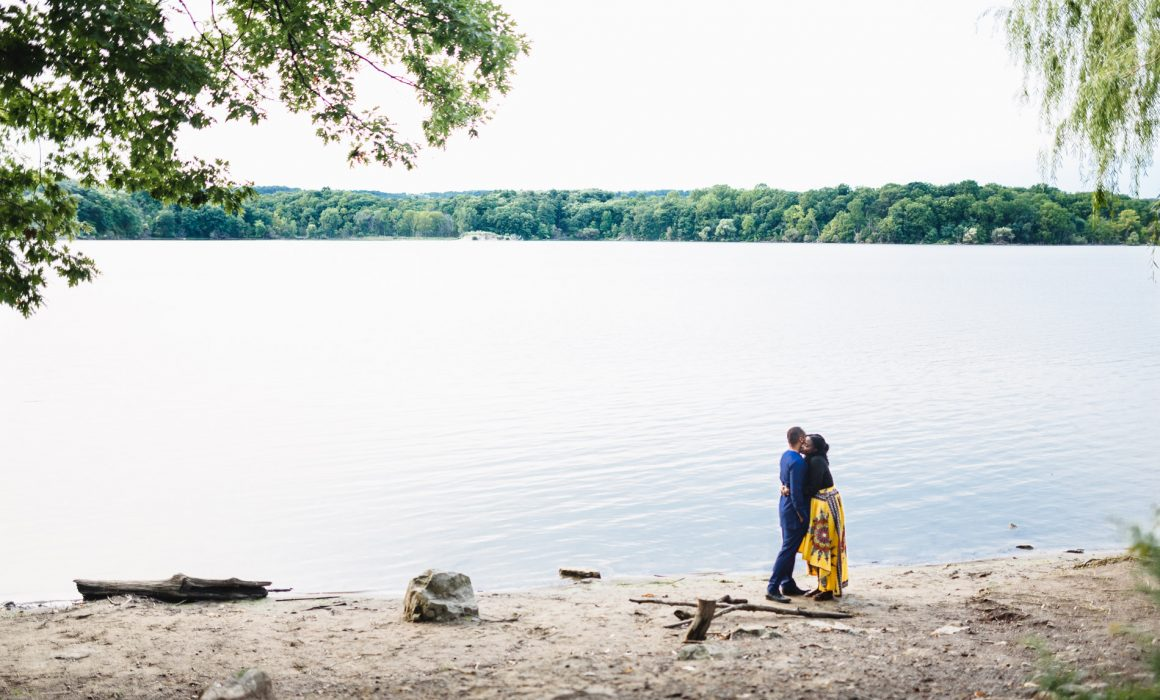 engagement photo shoot at the Princess point trail in Hamilton